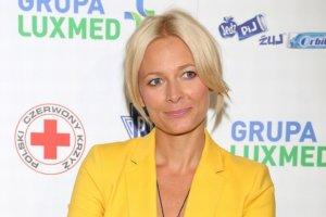 Odeta Moro w żółtym garniturze