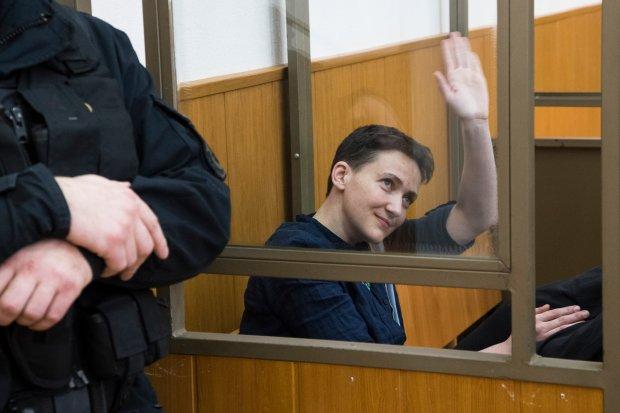 Nadija Sawczenko za dw�ch rosyjskich wojskowych. Petro Poroszenko proponuje wymian�