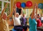 Jak wyci�gn�� emeryt�w z domu