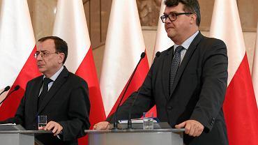 23.10.2017, Warszawa, KPRM, minister koordynator służb Mariusz Kamiński i wiceminister Maciej Wąsik.