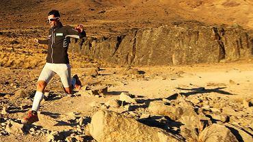 Kilian Jornet zbiega z Kilimandżaro.