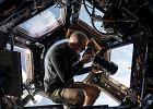 Kr�tki poradnik, jak zosta� astronaut�