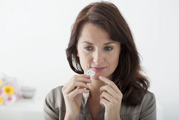 Co na opryszczkę? Jak chronić się przed zachorowaniem? Jakie leki stosować?