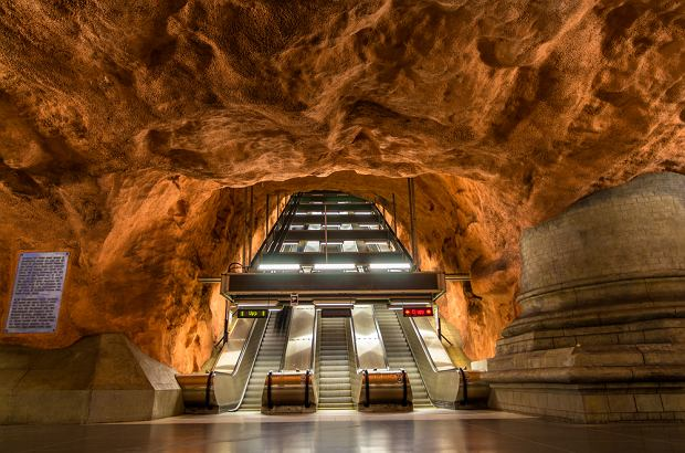 W Sztokholmie koniecznie musisz zobaczyć niezwykłe stacje metra