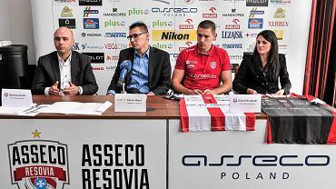 Konferencja prasowa w Asseco Resovii z Dawidem Konarskim i nowym sponsorem