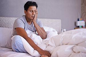 Klasterowy ból głowy - ataki bólu o nieznanej przyczynie. Objawy i leczenie klasterowego bólu głowy