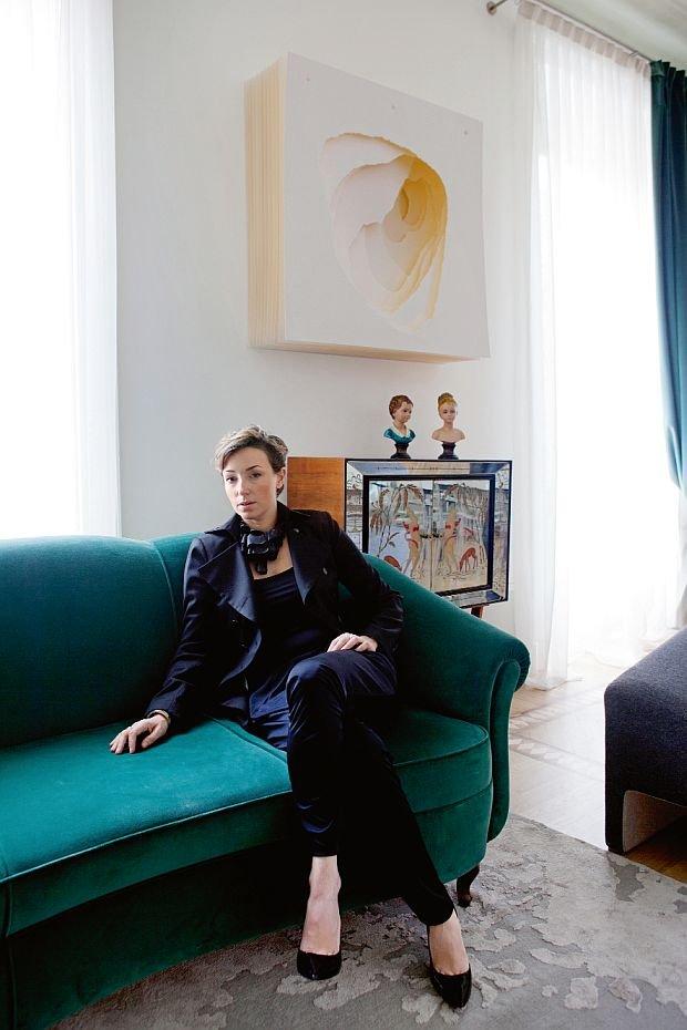 Kto tu mieszka? Alessia Garibaldi, architektka, współwłaścicielka mediolańskiego studia GariLab. Gdzie? W Mediolanie.  Metraż: 195 m2 w starej kamienicy.