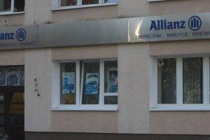 """Wpadka Allianz. Czy ściągnął klientom z kont po 524 zł? """"Omyłkowy"""" mail"""