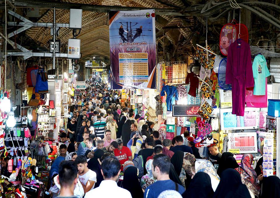 Teheran poradził sobie z niedawnymi protestami kupców po załamaniu irańskiej waluty i z wcześniejszymi, w styczniu.