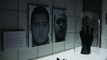 Zdjęcia islamskich terrorystów na wystawie 'Muzeum męczenników' w Berlinie