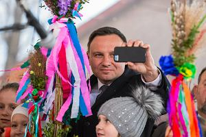 Politycy w cieniu palm: m.in. Duda i Bieńkowska pojawili się na konkursie największych palm wielkanocnych