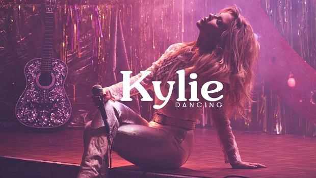 """Kylie Minogue utworem """"Dancing"""" zapowiada nową płytę. Było na co czekać?"""