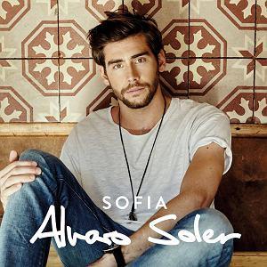 """Alvaro Soler, artysta znany z  przebojów """"Sofia"""" czy """"El Mismo Sol"""" pojawi się w Polsce! Sprawdźcie, czy zaśpiewa w Waszej okolicy!"""