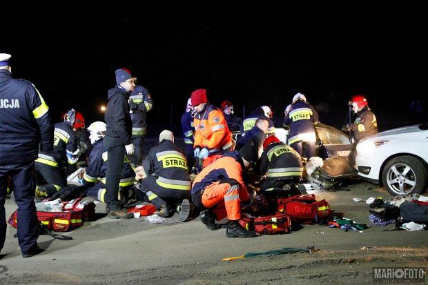 Tragiczny wypadek. Cztery osoby zginęły na przejeździe kolejowym w Chmielowicach