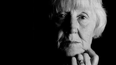 W przypadku osób starszych chorych na nowotwór krwi najczęściej nie wystarczy chcieć się leczyć, robić badania i chodzić do lekarza. Droga do właściwej diagnozy i skutecznego leczenia jest pełna przeszkód i pułapek.