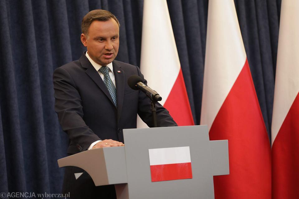 Prezydent Andrzej Duda oświadcza, że zawetuje pisowskie ustawy ograniczające niezależność sądownictwa (o KRS i Sądzie Najwyższym). Warszawa, 24 lipca 2017
