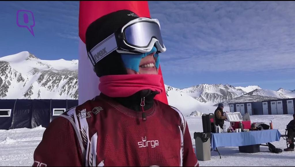Joanna Mędraś na mecie Antarctic Ice Marathon 2016