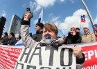 Rosjanie z syndromem oblężonej twierdzy. Jeszcze nigdy nie mieli tak złego zdania o Zachodzie jak teraz