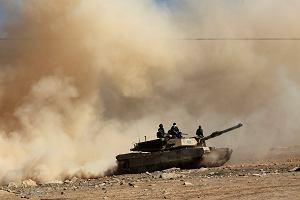 Drony i auta pułapki stosowane przez dżihadystów spowalniają ofensywę na Mosul