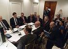 Biały Dom publikuje zdjęcie Trumpa tuż po ataku na bazę w Syrii, a Waszyngton grozi kolejnymi