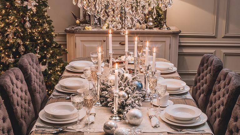 Pomysły na nakrycie świątecznego stołu od Almi Decor