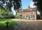 """Dom inspirowany książką """"Powrót do Howards End"""" znalazł się na rynku nieruchomości"""