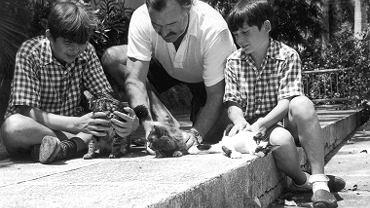 Ernest Hemingway z synami