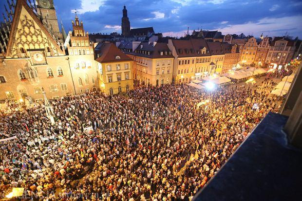 """Twórca """"House of Cards"""" komentuje sytuację w Polsce"""