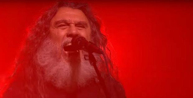 """Zespół trash metalowy nie często decyduje się na występy w telewizji. Slayer jednak zdecydował się wykorzystać obecność w Nowym Jorku i dali występ w """"The Tonight Show""""."""