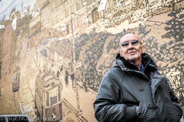 Jacek Grabowski we współpracy z Piotrem Wisłą stworzyli w latach 2013-2014 obraz - rekonstrukcję pierwotnego wyglądu placu. Posłużyła im do tego pocztówka z 1938 roku