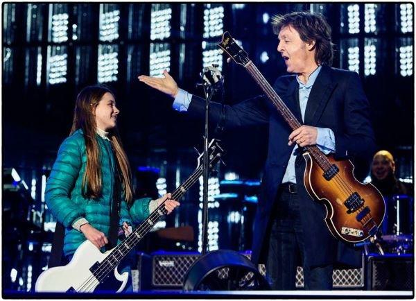 Eksbeatles, podczas koncertu zaprosił do wspólnego występu dziewczynkę z widowni.