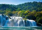 DALMACJA (CHORWACJA) - PARK NARODOWY KRKA. Chroni wodospady w �rodkowym i dolnym biegu dalmaty�skiej rzeki Krka. Zwiedzaj�cy park tury�ci mog� za�ywa� k�pieli w rzece.