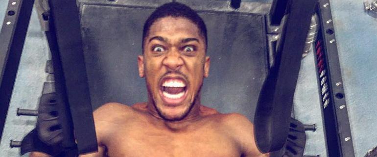 Anthony Joshua to treningowy potwór. Zobacz, jak ćwiczy bokserski mistrz świata