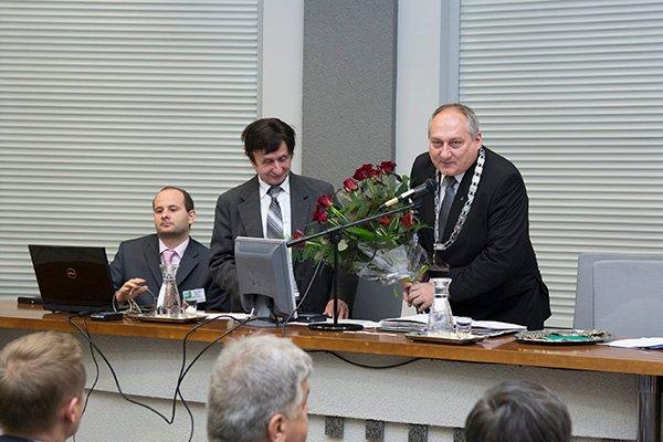 """Przewodnicz�cy Rady Miejskiej w Sosnowcu odwo�any za """"dziennikarskie m�ty"""""""