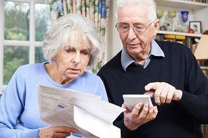 Emeryci bez emerytur, czyli jak rząd PiS chce przejąć składki pracujących mniej niż 15 lat