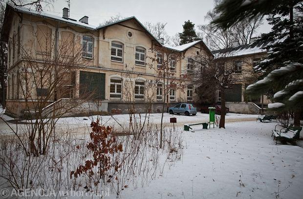 Łódź. Zwłoki mężczyzny znaleziono przy szpitalu psychiatrycznym