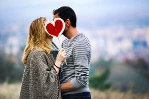 Jak na pary wpływają ślub i dziecko?