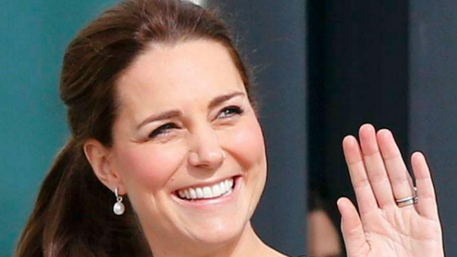 Księżna Kate Urodziła C 243 Rka I Mama Czują Się Bardzo Dobrze