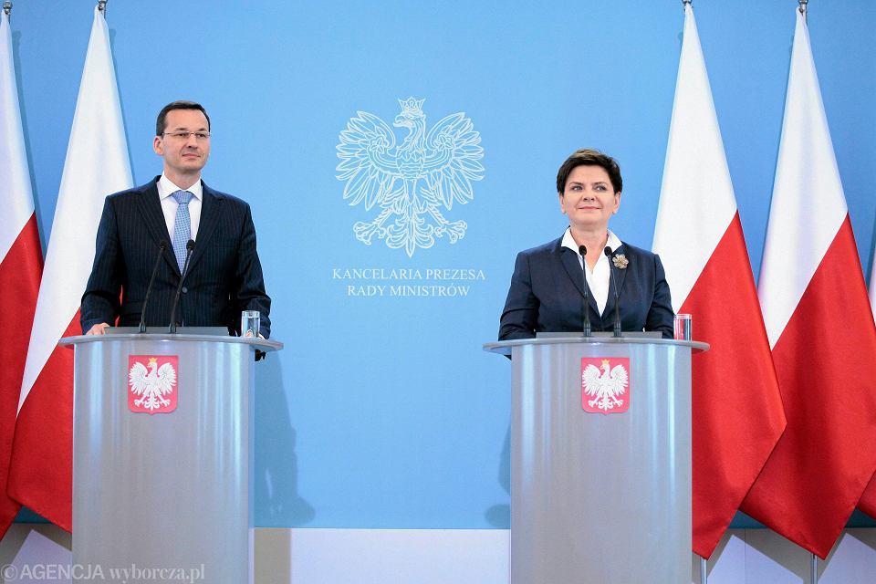 Mateusz Morawiecki i premier Beata Szydło po wczorajszej konferencji