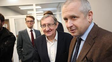 Korytarz poznańskiego sądu - przed decyzją w sprawie Józefa Piniora