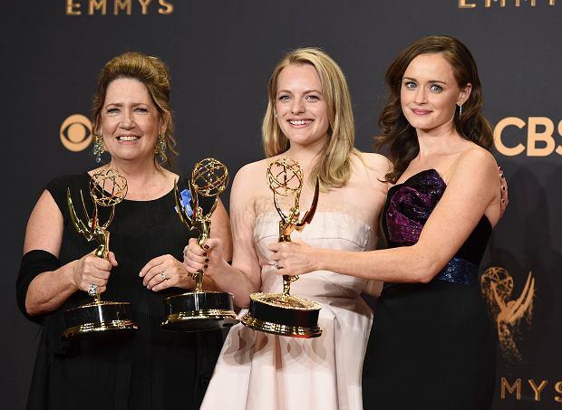 Ann Dowd, Elisabeth Moss, Alexis Bledel