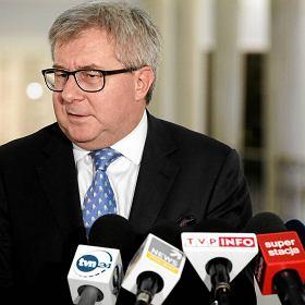Dzi� opinia KE o Trybunale. Czarnecki: Niech ustawi� dla siebie alkomaty