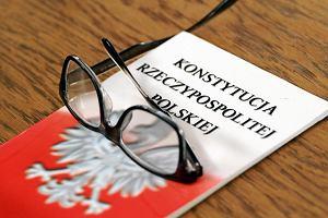 W kilkunastu miastach czytamy dziś Konstytucję III RP