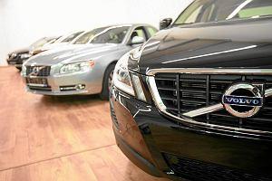 Polacy nie s� bogatsi, a ro�nie liczba rejestracji nowych aut. Pow�d? Reeksport