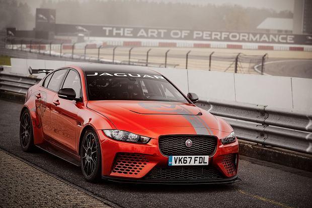 Jaguar XE SV Project 8 bije rekord Nurburgringu. Alfa Romeo i Porsche pokonane!