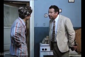 S�ynny aktor, po ponad 40 latach, zn�w na kr�tko wcieli� si� w gosposi� o imieniu Marysia
