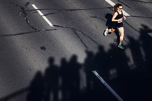 Maraton jest dla kobiety zbyt ciężki, maraton każdą kobietę zabije, więc trzeba kobiety przed tym chronić