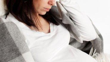 Przeziębienie w ciąży - kiedy wizyta u lekarza jest niezbędna?