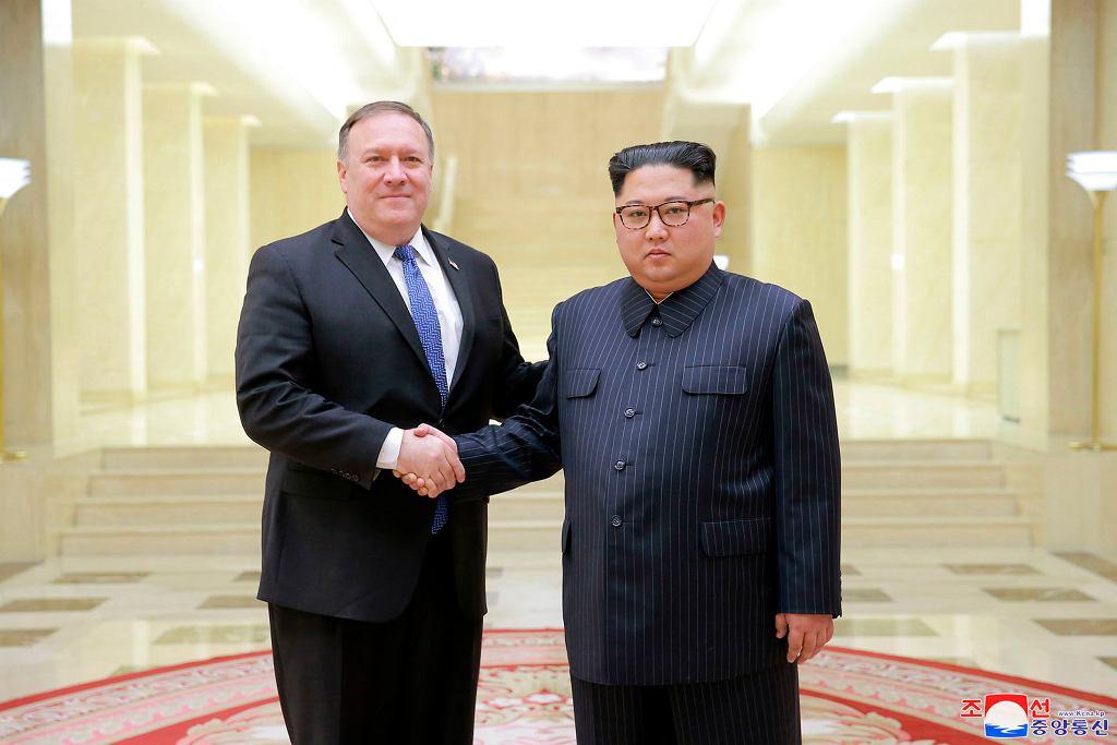 Kim Dzong Un i Sekretarz Stanu USA Mike Pompeo