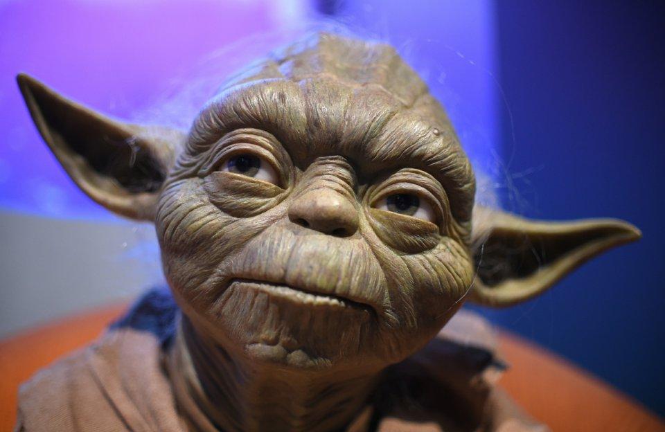Yoda był Wielkim Mistrzem Jedi żyjącym w ostatnim tysiącleciu istnienia Republiki. Zawsze stał po jasnej stronie Mocy, ale co to była za moc?